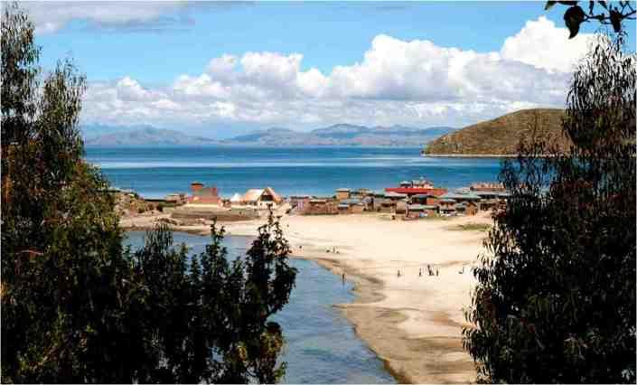 Bolivia_Lago Titicaca_Apthapi